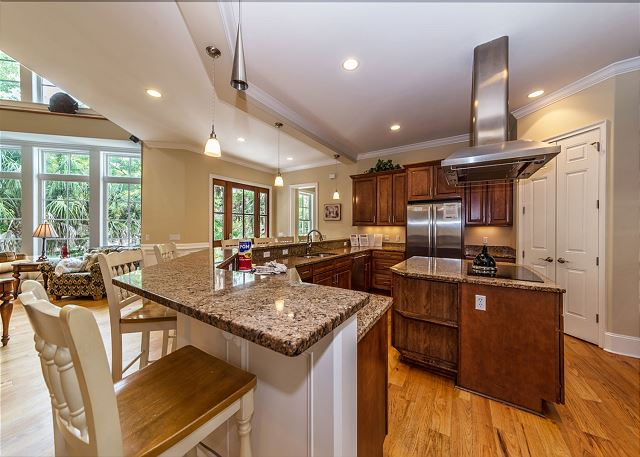 Egret 5, Luxury 6 Bedroom, Elevator, Private Pool Spa, Sleeps 20 - Our gourmet kitchen will make you a fan of eating in  - HiltonHeadRentals.com