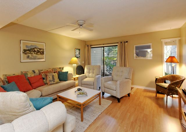 SailMaster 37, 2 Bedrooms, Pool, Patio, Sleeps 6 Picture