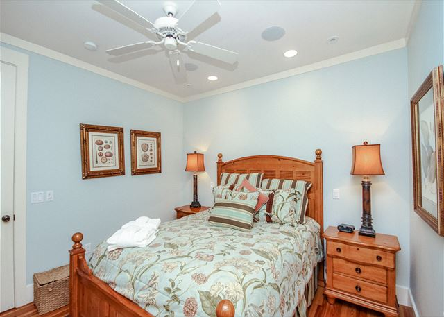 Corine Lane 25, Luxury 7 Bedrooms Private Heated Pool, Sleeps 16 - Guest Bedroom  - HiltonHeadRentals.com