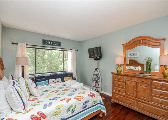 Village House 303, 2 Bedrooms, Pet Friendly, Elevator, Sleeps 6 - Storage Space - HiltonHeadRentals.com