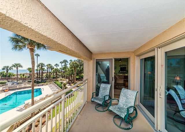Captains Walk 436, Oceanfront, 2 Bedroom, Large Pool, Sleeps 6 Picture