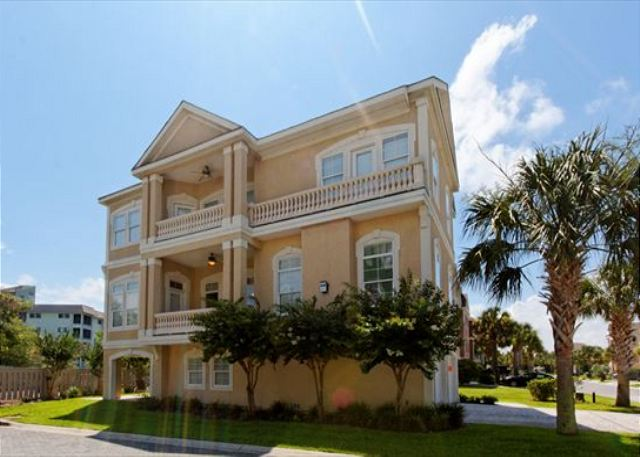 Crabline Court 25, 5 Bedroom, Private Pool, Sleeps 12 - Crabline Court 25 - HiltonHeadRentals.com