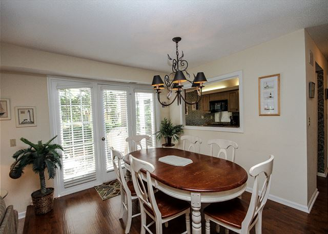 Evian 288, 3 Bedrooms, Golf & Lagoon View, Sleeps 8 - Dining Room - HiltonHeadRentals.com