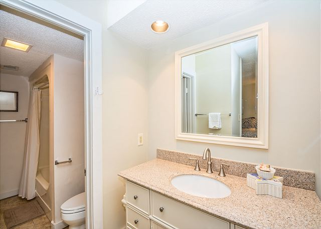 The Pristine 2nd bathroom -