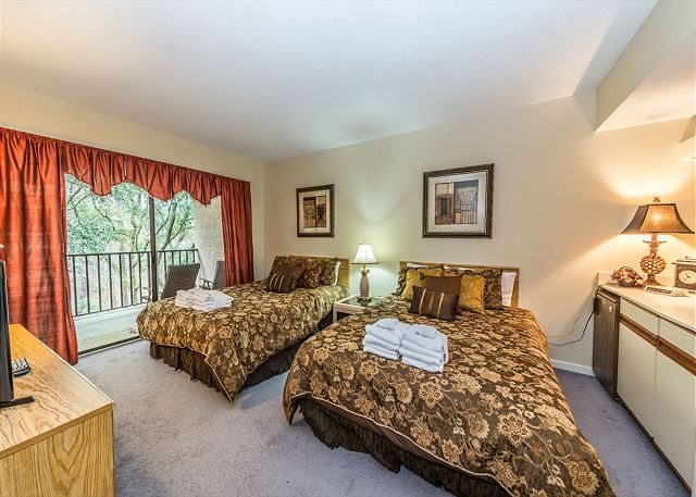 Village House 307, 2 Bedrooms, Pet Friendly, Elevator, Sleeps 8 - Second Bedroom - HiltonHeadRentals.com
