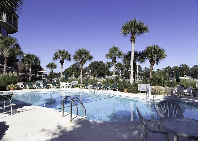 Yacht Club 7536, Luxury 3 Bedrooms, Large Pool, Spa, Sleeps 8 Picture