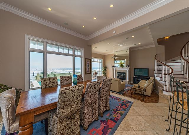 Singleton Beach 11, Oceanfront 6 Bedrooms Private Pool, Elevator - Dining Room - HiltonHeadRentals.com