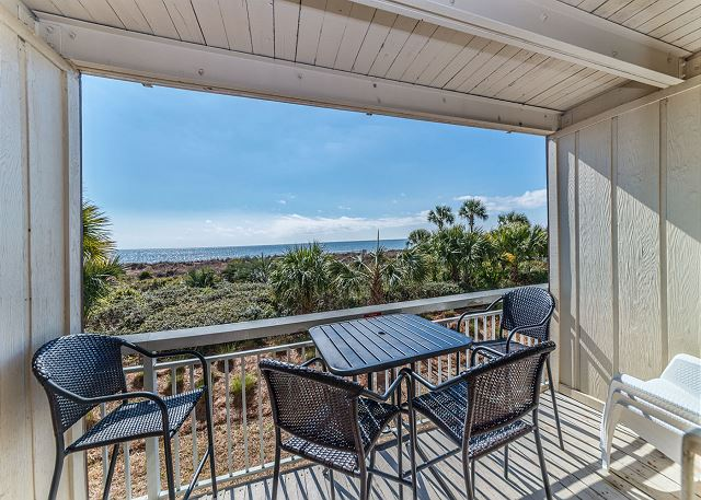 Breakers 136, 1 Bedroom, Large Oceanfront Pool, Sleeps 4 Picture