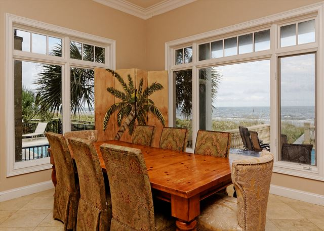 Singleton Beach 11B, Oceanfront 3 Bedrooms, Pool, Elevator - Wonderful dining - HiltonHeadRentals.com