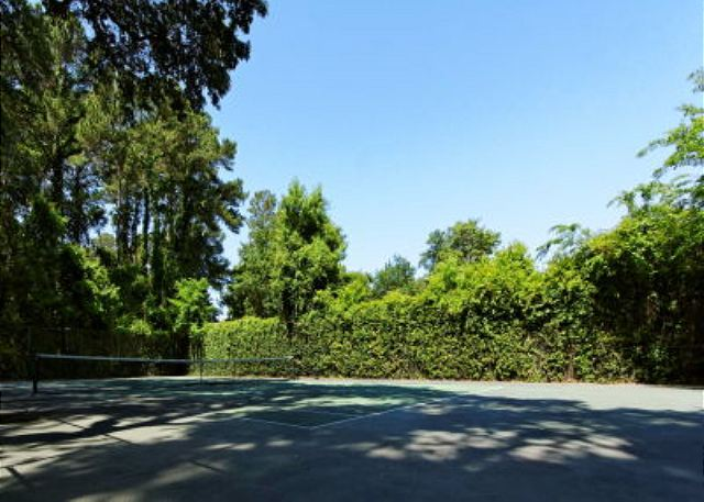 Fern Court 7, 3 Bedrooms, Golf View, Large Pool, Sleeps 10 - Tennis Courts - HiltonHeadRentals.com