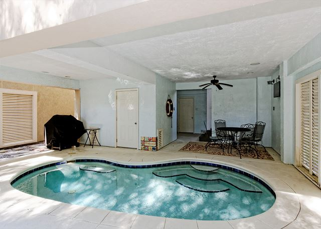 Corine Lane 25, Luxury 7 Bedrooms Private Heated Pool, Sleeps 16 Picture