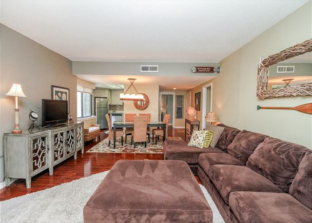 Village House 303, 2 Bedrooms, Pet Friendly, Elevator, Sleeps 6 - Open Concept - HiltonHeadRentals.com
