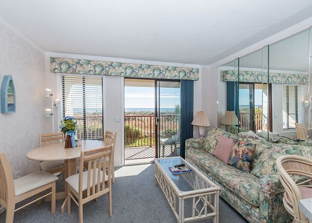 Beach & Tennis Admirals Row 107, 1 Bedroom, Ocean View, 2 Pools - Come In And Have A Seat! There's room for all. - HiltonHeadRentals.com