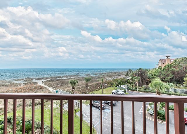 Beach & Tennis Admirals Row 309, 2 Bedroom, Ocean View, Sleeps 6 - Breathtaking Sights - HiltonHeadRentals.com