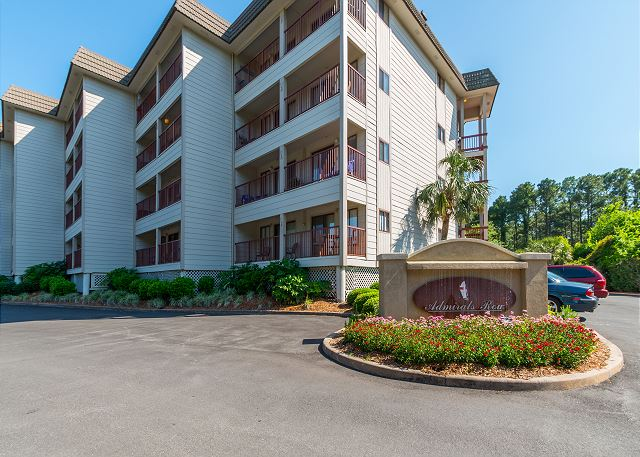 Beach & Tennis Admirals Row 309, 2 Bedroom, Ocean View, Sleeps 6 - You have arrived Beach & Tennis AR309! - HiltonHeadRentals.com