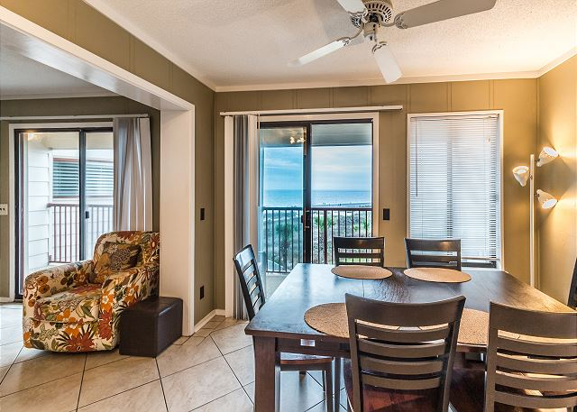 Beach & Tennis Admirals Row 309, 2 Bedroom, Ocean View, Sleeps 6 - Contemporary Dining - HiltonHeadRentals.com