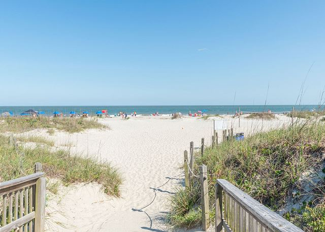 Beach & Tennis AR440, 2 Bedroom, Ocean View - Walking down to the beach never looked as gorgeous. - HiltonHeadRentals.com