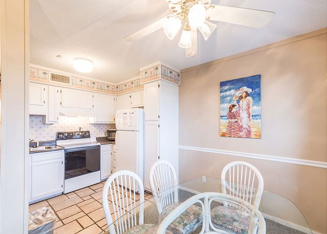 Beach & Tennis AR440, 2 Bedroom, Ocean View - Fully equipped kitchen - HiltonHeadRentals.com