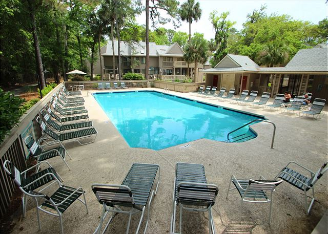 Beachwalk 130, 1 Bedroom, Pool, Near Beach, WiFi, Sleeps 4 - Come on In! - HiltonHeadRentals.com