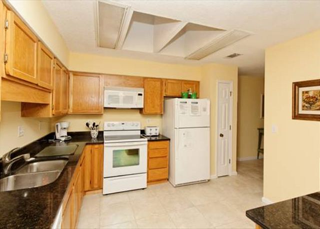 Beachwalk 186, 1 Bedroom, Pool, Near Beach, Sleeps 4 - Storage space - HiltonHeadRentals.com
