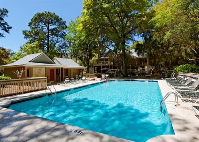 Beachwalk 186, 1 Bedroom, Pool, Near Beach, Sleeps 4 - Community Pool - HiltonHeadRentals.com