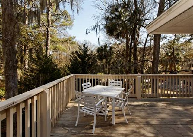 Beachwalk 186, 1 Bedroom, Pool, Near Beach, Sleeps 4 - Your own deck! - HiltonHeadRentals.com