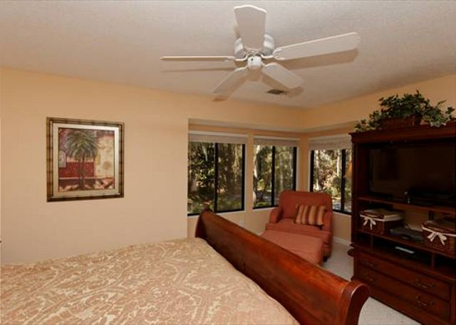 Beachwalk 186, 1 Bedroom, Pool, Near Beach, Sleeps 4 - TV-Equipped - HiltonHeadRentals.com