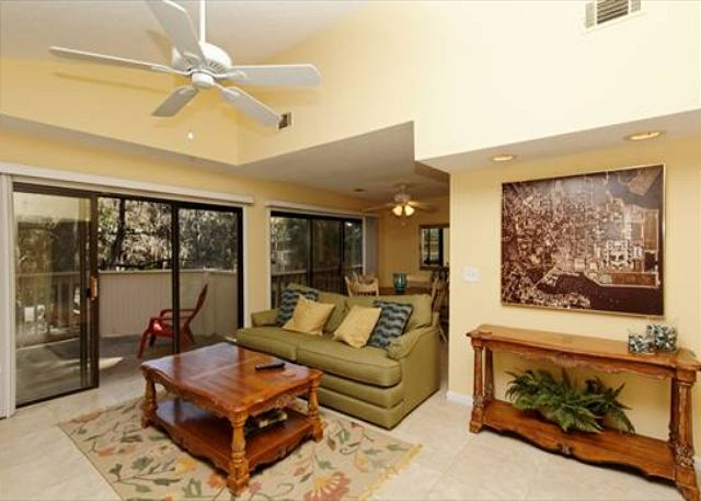 Beachwalk 186, 1 Bedroom, Pool, Near Beach, Sleeps 4 - Direct Access - HiltonHeadRentals.com