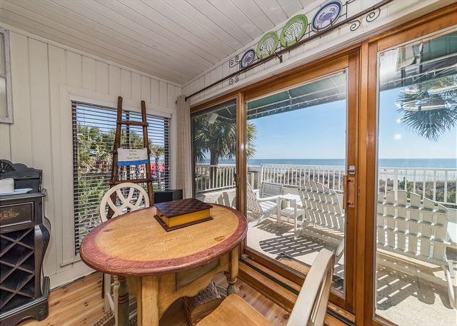 Beach Villa 8, 3 Bedrooms, Ocean Front, Pool, Sleeps 12 - Informal Dining - HiltonHeadRentals.com