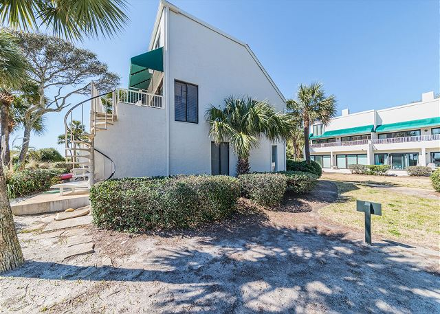 Beach Villa 8, 3 Bedrooms, Ocean Front, Pool, Sleeps 12 - Wish You Were Here? - HiltonHeadRentals.com
