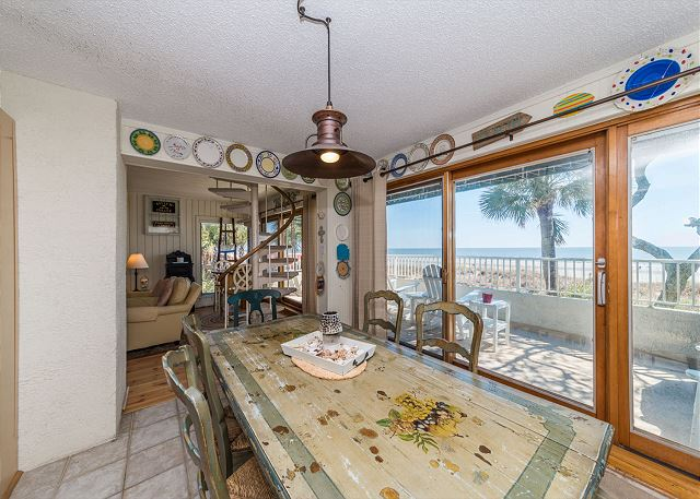 Beach Villa 8, 3 Bedrooms, Ocean Front, Pool, Sleeps 12 - Dining Area  - HiltonHeadRentals.com