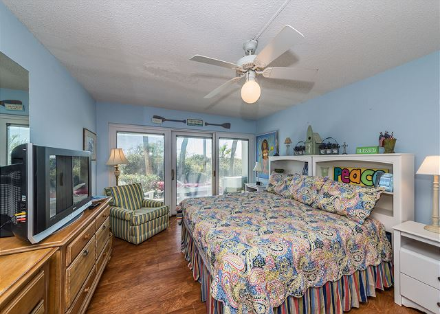 Beach Villa 8, 3 Bedrooms, Ocean Front, Pool, Sleeps 12 - Second Bedroom - HiltonHeadRentals.com
