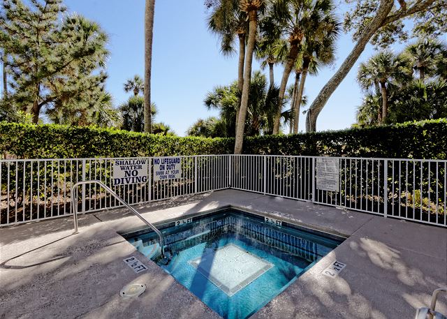Barrington Arms 103, 1 Bedroom, Oceanfront View, Pool, Sleeps 4 - Spa - HiltonHeadRentals.com
