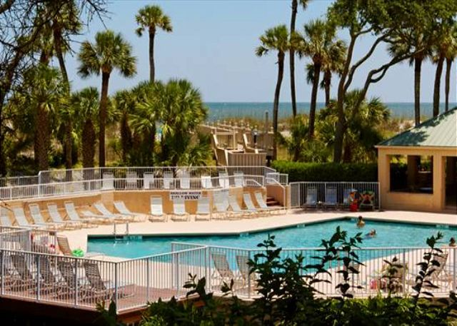 Barrington Arms 103, 1 Bedroom, Oceanfront View, Pool, Sleeps 4 - Pool - HiltonHeadRentals.com