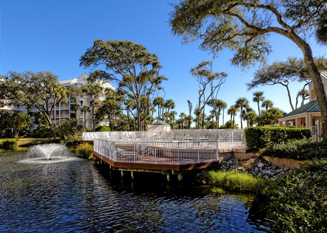 Barrington Arms 103, 1 Bedroom, Oceanfront View, Pool, Sleeps 4 - Soothing Waters - HiltonHeadRentals.com