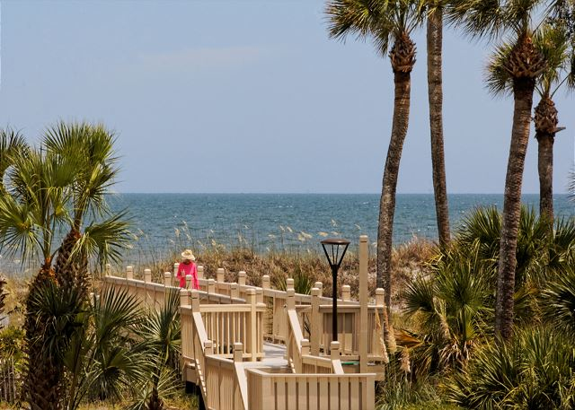 Barrington Arms 103, 1 Bedroom, Oceanfront View, Pool, Sleeps 4 - Pathway to Heaven - HiltonHeadRentals.com