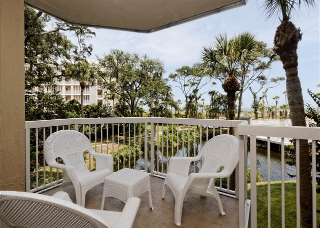 Barrington Arms 103, 1 Bedroom, Oceanfront View, Pool, Sleeps 4 - Great Views - HiltonHeadRentals.com