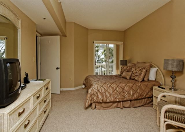 Barrington Arms 205, 3 Bedrooms, OceanView, Pool & Spa, Sleeps 8 - Third Bedroom - HiltonHeadRentals.com
