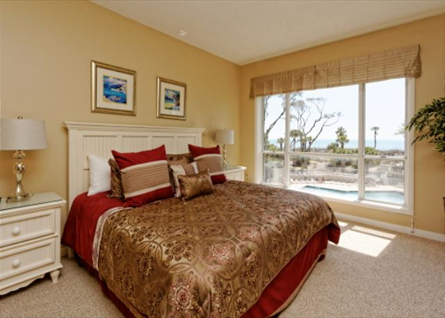 Barrington Arms 205, 3 Bedrooms, OceanView, Pool & Spa, Sleeps 8 - Master Bedroom - HiltonHeadRentals.com