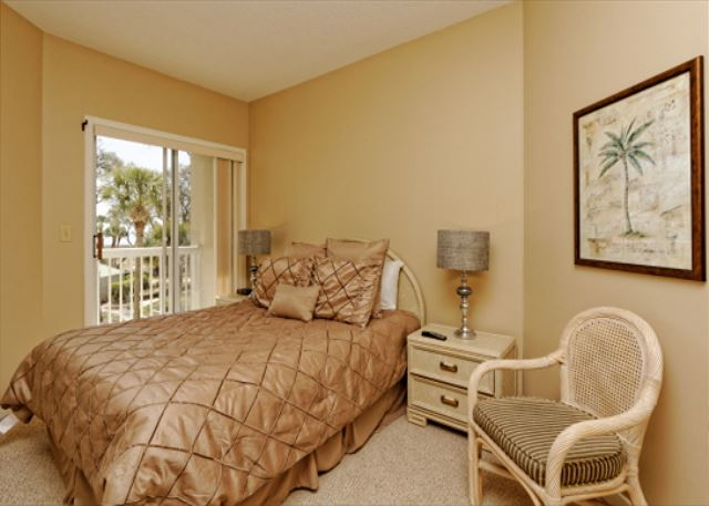 Barrington Arms 205, 3 Bedrooms, OceanView, Pool & Spa, Sleeps 8 - Comfort - HiltonHeadRentals.com
