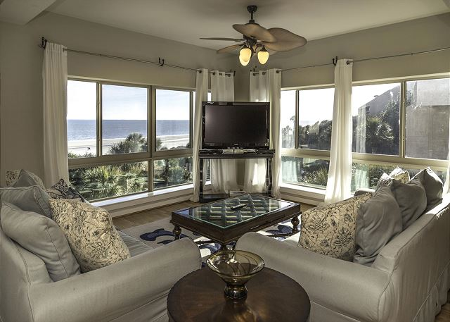 Captains Walk 424, 5 Bedrooms, Penthouse , Pool, Sleeps 12 - Living Area - HiltonHeadRentals.com