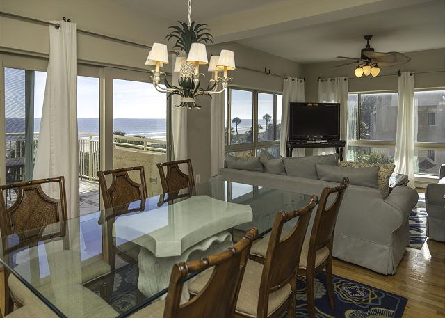 Captains Walk 424, 5 Bedrooms, Penthouse , Pool, Sleeps 12 - Dining Area - HiltonHeadRentals.com