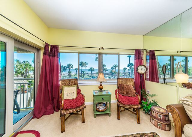 Captains Walk 436, Oceanfront, 2 Bedroom, Large Pool, Sleeps 6 - Enjoy the ocean views! - HiltonHeadRentals.com