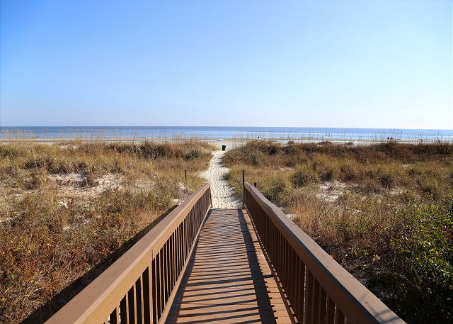Captains Walk 436, Oceanfront, 2 Bedroom, Large Pool, Sleeps 6 - The beach is your backyard - HiltonHeadRentals.com