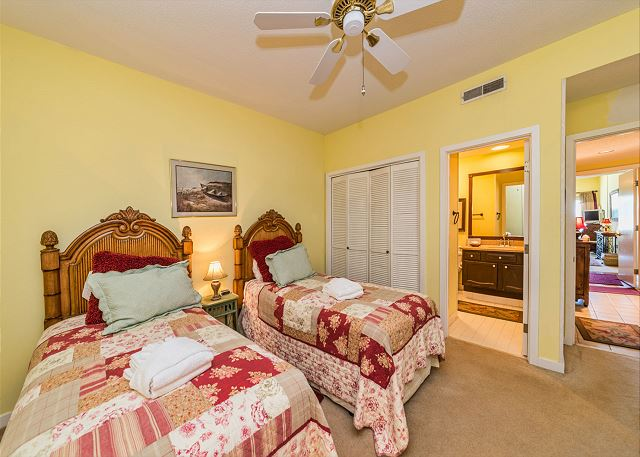Captains Walk 436, Oceanfront, 2 Bedroom, Large Pool, Sleeps 6 - Second Bedroom - HiltonHeadRentals.com