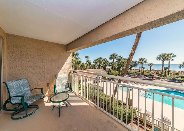 Captains Walk 436, Oceanfront, 2 Bedroom, Large Pool, Sleeps 6 - Views - HiltonHeadRentals.com