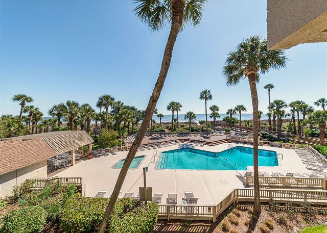 Captains Walk 436, Oceanfront, 2 Bedroom, Large Pool, Sleeps 6 - Balcony Views - HiltonHeadRentals.com