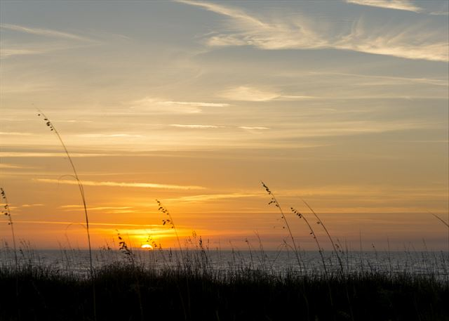 Captains Walk 436, Oceanfront, 2 Bedroom, Large Pool, Sleeps 6 - Fiery Sunrises	 - HiltonHeadRentals.com