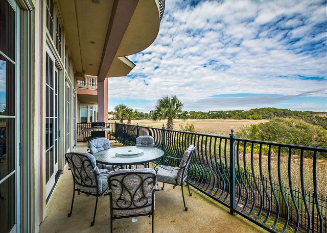 Collier Court 4, Luxury 6 Bedrooms, Elevator, Private Pool, Spa - Great Balcony Views - HiltonHeadRentals.com