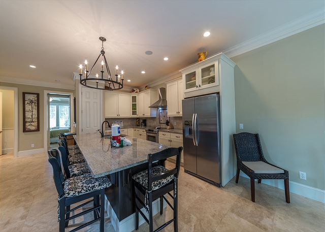 Corine Lane 13, Deluxe 6 Bedrooms, Private Pool, Sleeps 16 - Bring your favorite recipes and a bag of groceries! - HiltonHeadRentals.com